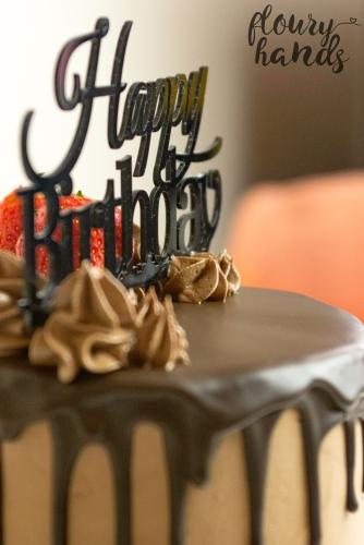 chocolate strawberry drip cake 3